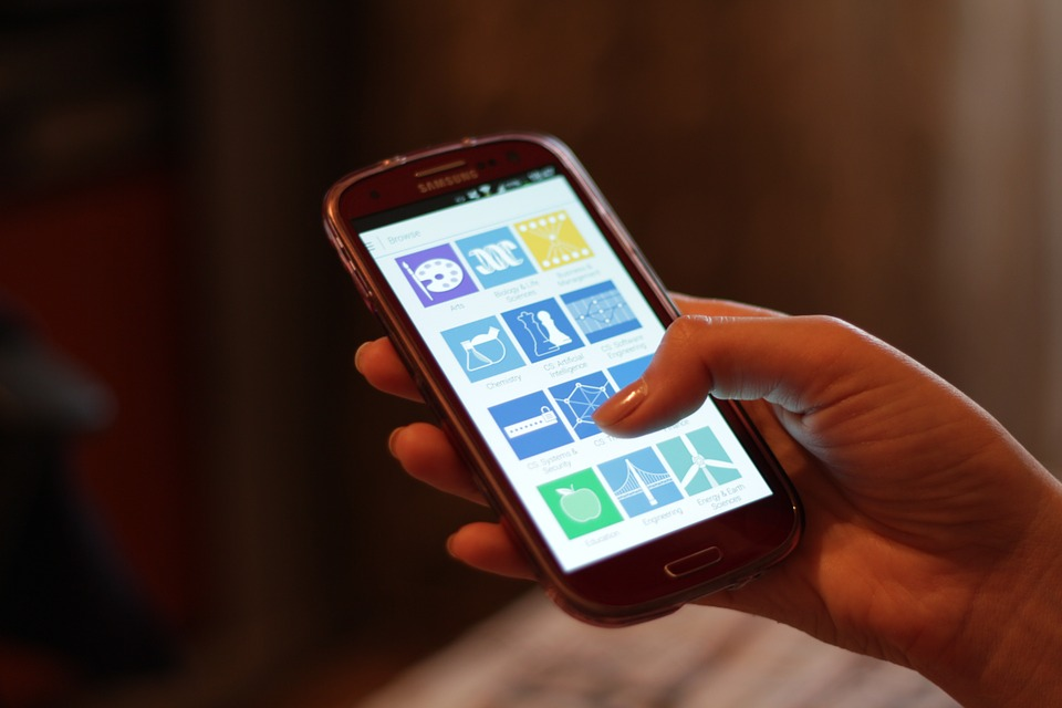 Las apps de moda que no deben faltar en tu smartphone