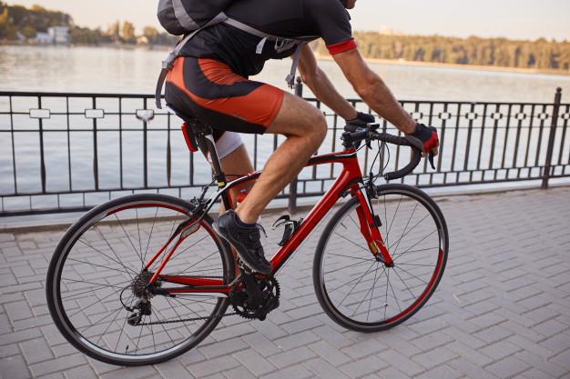 Los Riesgos Comunes para los Ciclistas y Cómo Evitarlos