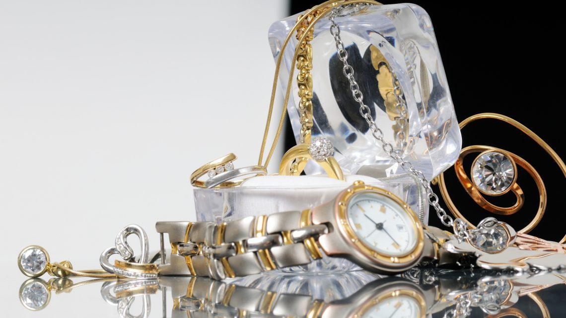 ¿Por qué usar joyería fabricada a base de acero inoxidable?